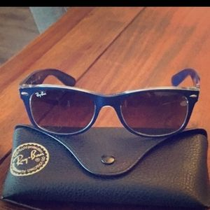 Like New Unisex Ray-ban Sunglasses Wayfarer